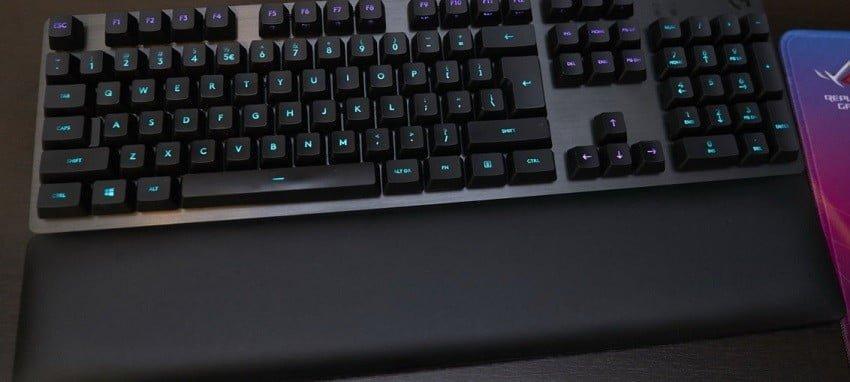Logitech G513 Clicky satışa çıktı!